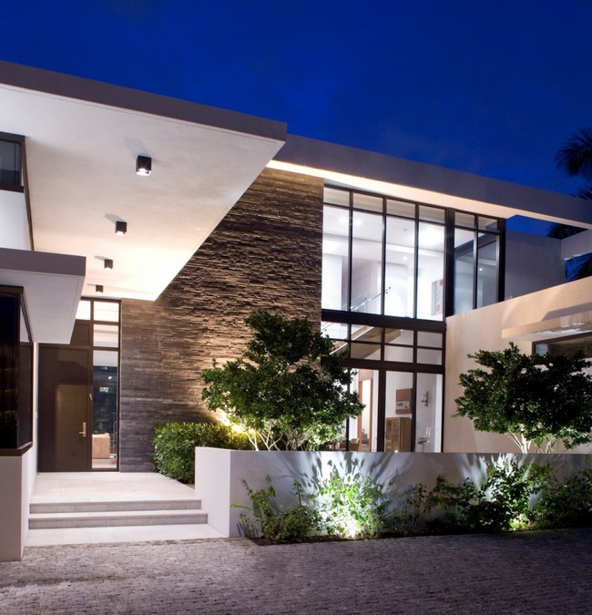 two storey modern house with pool in florida usa (5)