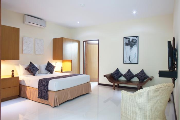 villa resort style house with contemporary garden idea in bali (4)