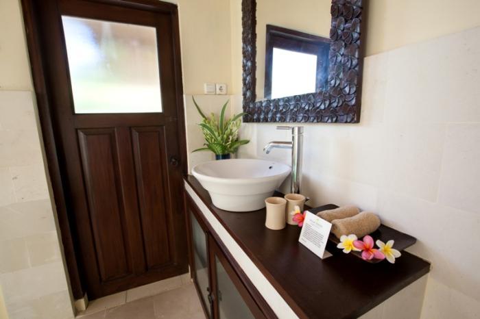 villa resort style house with contemporary garden idea in bali (6)