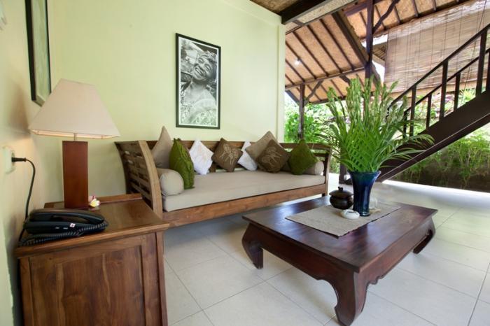 villa resort style house with contemporary garden idea in bali (9)