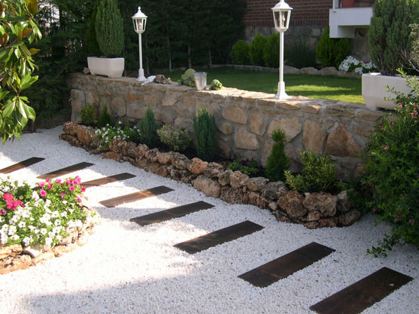 walk pathway to make your home and garden looks beautiful (16)