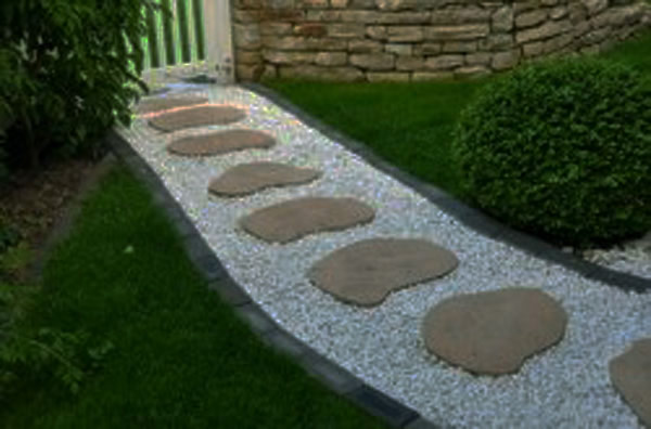 walk pathway to make your home and garden looks beautiful (17)