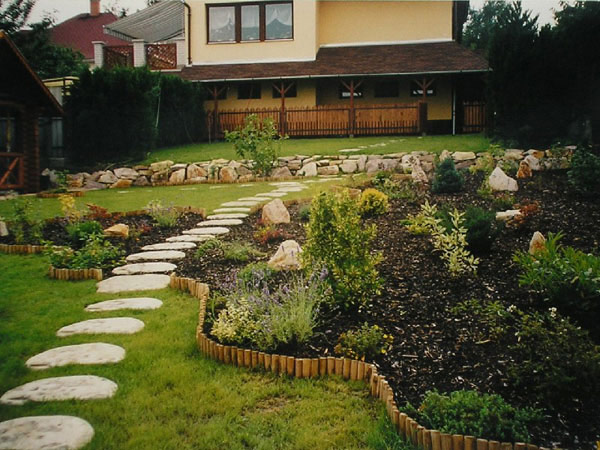 walk pathway to make your home and garden looks beautiful (19)
