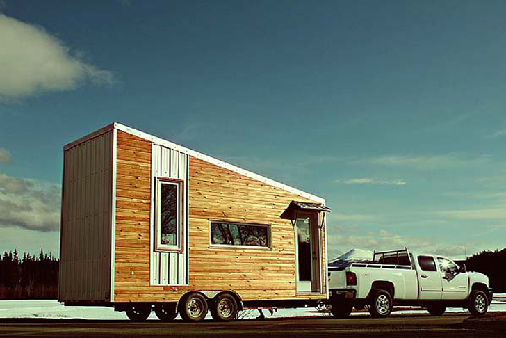 wooden box one half storey house with fully furnished built in (1)