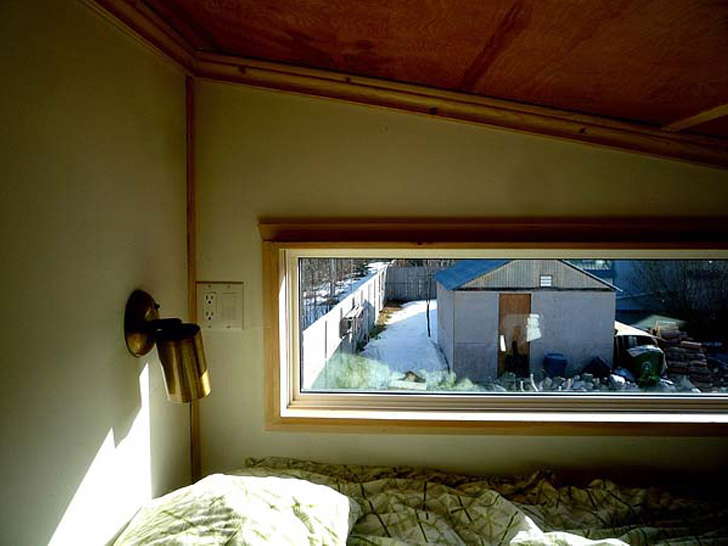 wooden box one half storey house with fully furnished built in (2)