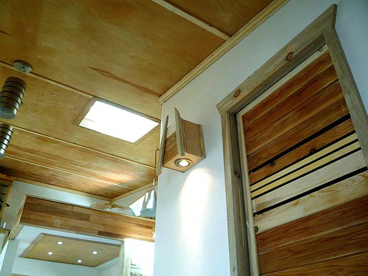 wooden box one half storey house with fully furnished built in (5)