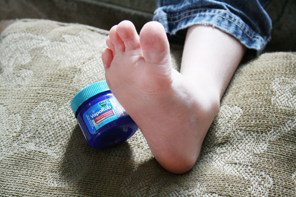 12-useful-tricks-of-vick-vaporub (2)