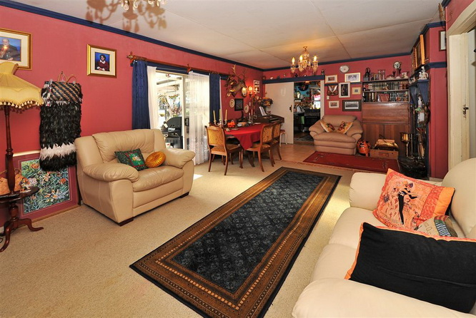 1floor-contemporary-white-house-with-extraordinary-interior (16)