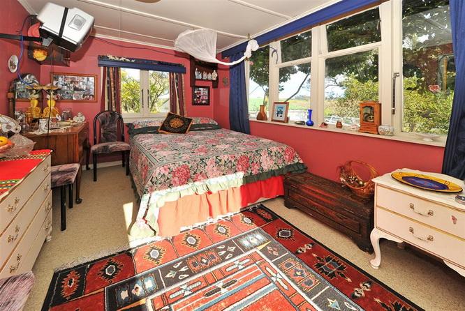 1floor-contemporary-white-house-with-extraordinary-interior (17)