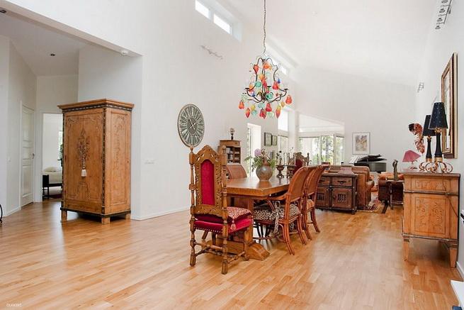 1floor-white-villa-house-with-garage (7)