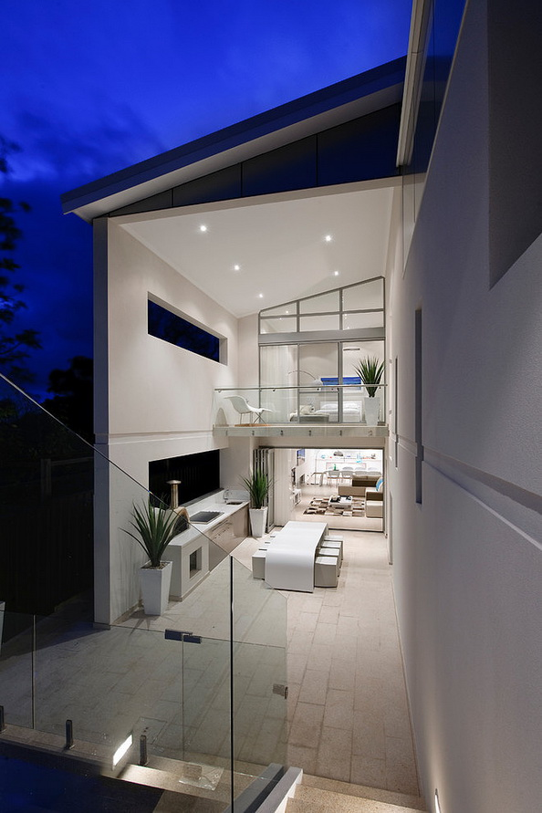 2-storey-white-modern-house-with-swimpool (21)
