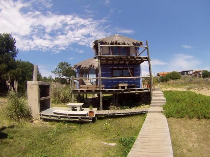 2 storey wooden island hut (1)
