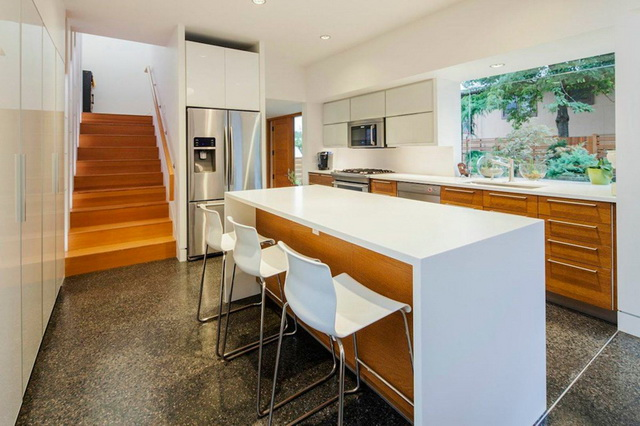 2f-modern-house-with-wooden-patio (4)