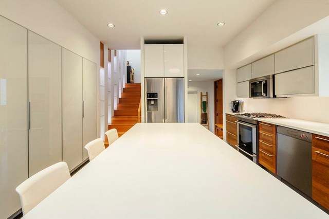 2f-modern-house-with-wooden-patio (5)