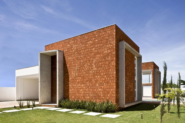 2storey-bright-modern-brick-house-with-garage-and-small-pool (10)