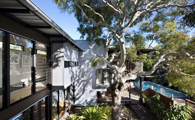 2storey-modern-wooded-saving-energy-island-house (2)
