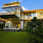 แบบบ้านโมเดิร์นสไตล์ชายหาด สร้างด้วยแนวคิดเป็นมิตรกับธรรมชาติ และสิ่งแวดล้อม