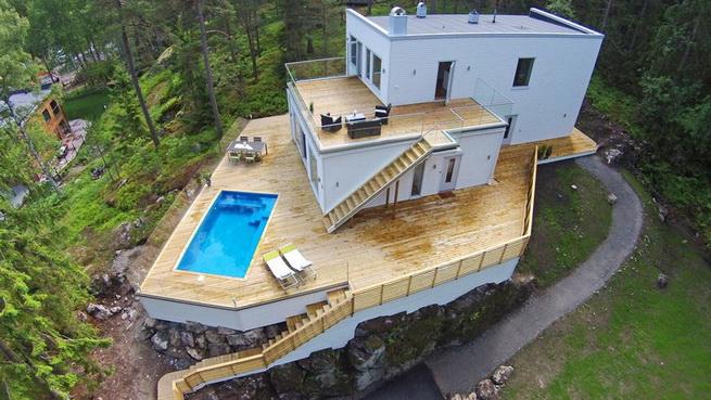 3-storey-white-villa-with-pool (1)