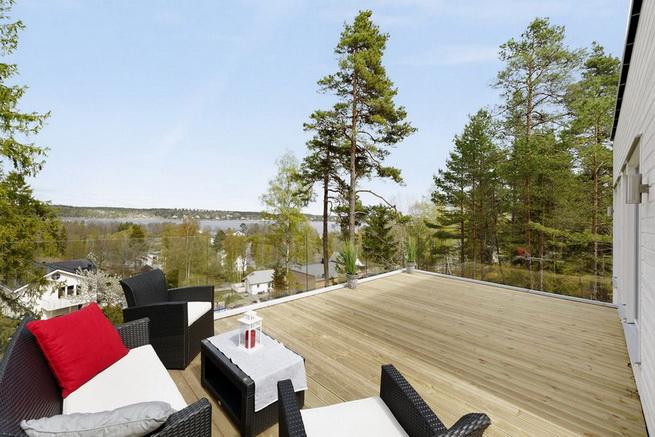 3-storey-white-villa-with-pool (13)