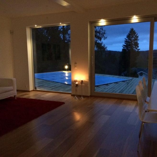 3-storey-white-villa-with-pool (20)