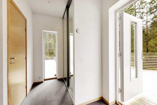3-storey-white-villa-with-pool (21)