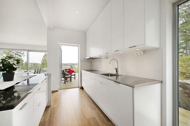 3-storey-white-villa-with-pool (26)