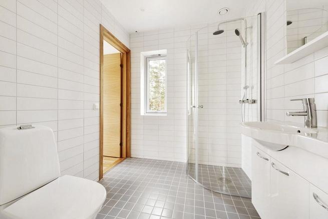 3-storey-white-villa-with-pool (35)