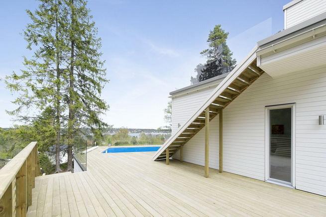 3-storey-white-villa-with-pool (7)