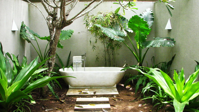 35 outside bathroom decoration ideas (21)