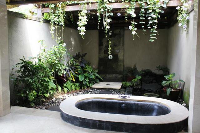 35 outside bathroom decoration ideas (23)