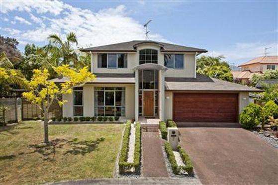 big-contemporary-house-for-family (6)