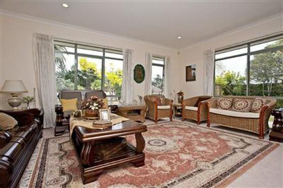 big-contemporary-house-for-family (7)