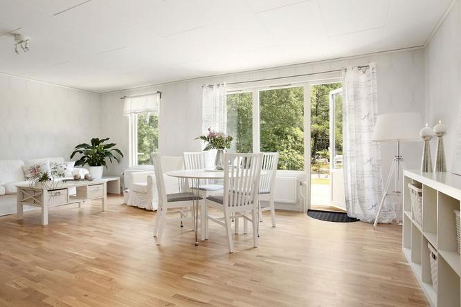 big white 1 floor villa house (18)