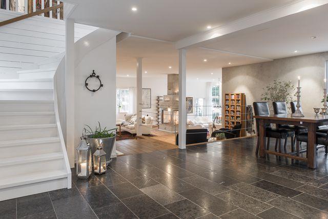 big-white-elegant-contemporary-villa (11)