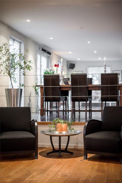 big-white-elegant-contemporary-villa (21)