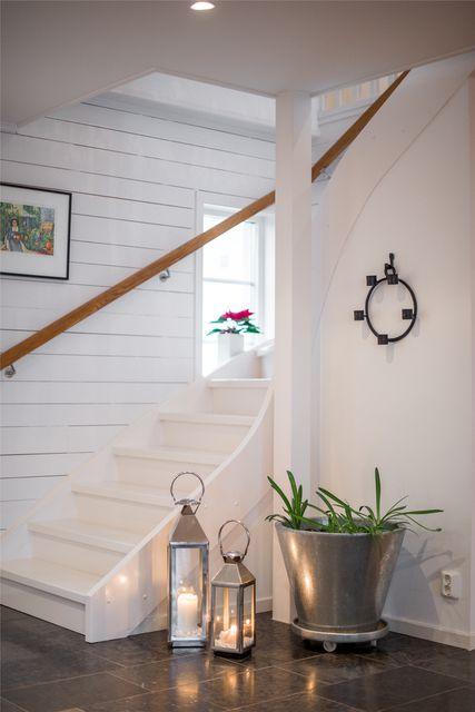 big-white-elegant-contemporary-villa (23)