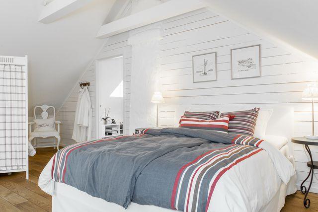 big-white-elegant-contemporary-villa (24)