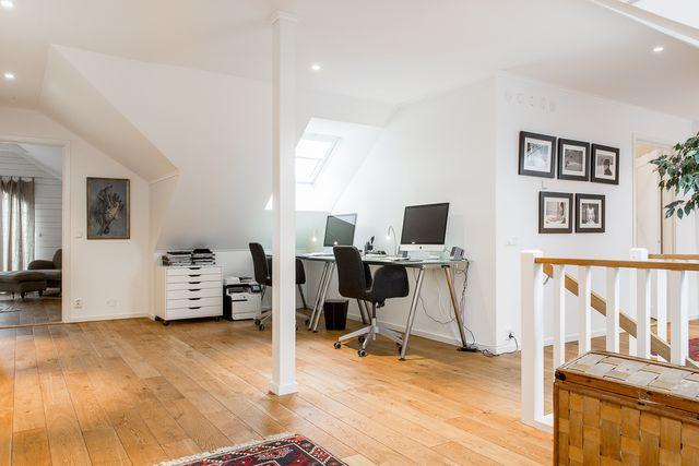 big-white-elegant-contemporary-villa (27)