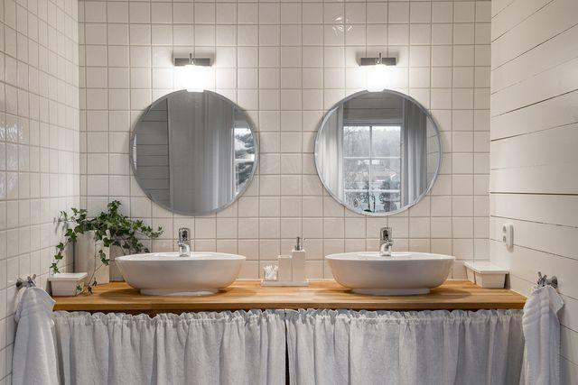 big-white-elegant-contemporary-villa (29)