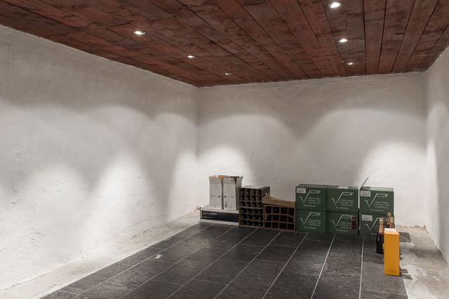big-white-elegant-contemporary-villa (31)