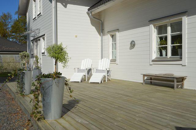 big-white-elegant-contemporary-villa (32)