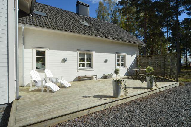 big-white-elegant-contemporary-villa (33)