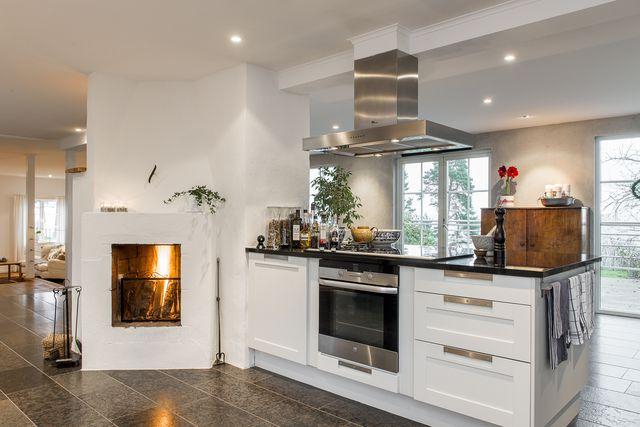 big-white-elegant-contemporary-villa (4)