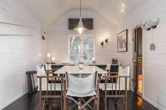 big-white-elegant-contemporary-villa (44)