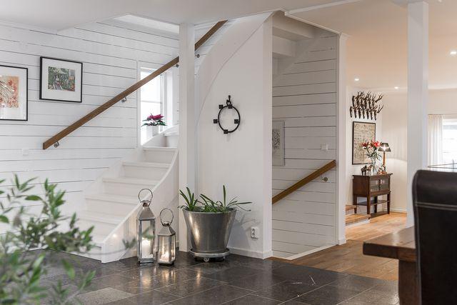 big-white-elegant-contemporary-villa (9)