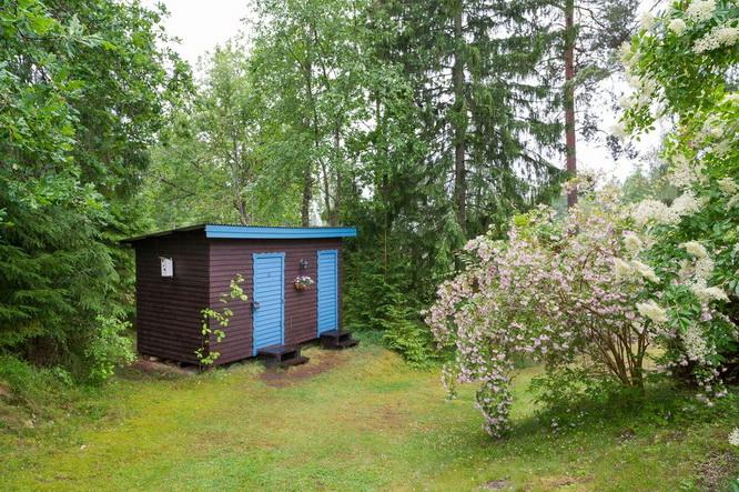 black wooden cottage with vintage interior (11)