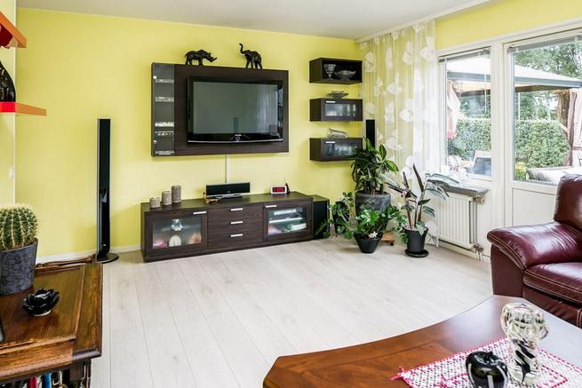 contemporary brick flat with small backyard (18)