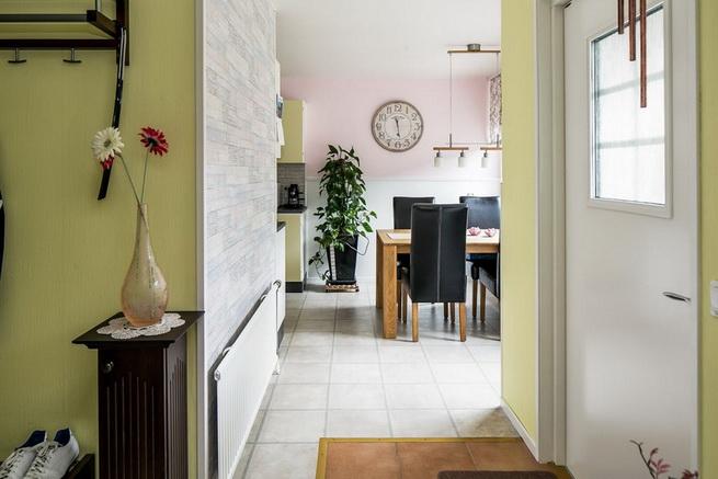 contemporary brick flat with small backyard (7)