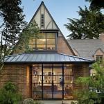 บ้านแนวร่วมสมัย ก่อสร้างด้วยอิฐอย่างคลาสสิค ผสมผสานความโมเดิร์นที่ภายใน