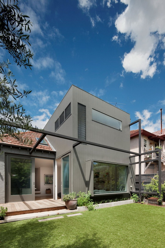 contemporary-wooden-and-brick-mixed-house (1)